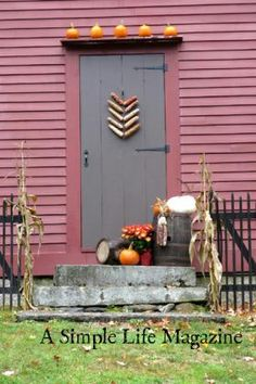 Primitive homes – Country Decor Today Paint Colors For Home, House Colors, Porch Doors, Front Doors, Front Porch, Porch Interior, Interior Trim, Colonial House Exteriors, Primitive Homes