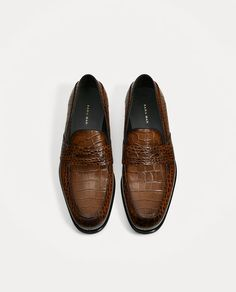 Image 4 of EMBOSSED LEATHER LOAFERS from Zara
