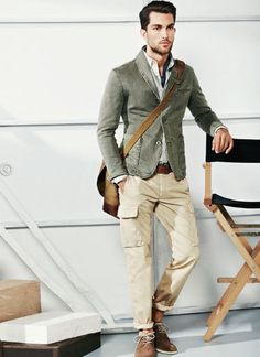 Neutral Style: blazer, button up layers, belt, rolled up pants, suede shoes, messenger bag