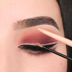 Smoke Eye Makeup, Pink Eye Makeup, Makeup Eye Looks, Glitter Eye Makeup, Eye Makeup Art, Eyebrow Makeup, Eyeshadow Makeup, Beauty Makeup, Makeup Eyebrows