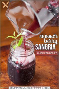 Sangria Vodka Recipe, Red Sangria Recipes, Berry Sangria, Red Wine Sangria, Summer Sangria, Vodka Recipes, Alcohol Drink Recipes, Summer Drinks, Wine Recipes