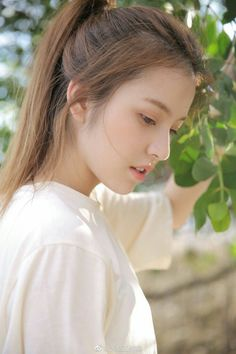 Pin by lai chioiat on Refs in 2020 Cute Beauty, Beauty Full Girl, Beauty Women, New Girl Pic, Cute Girl Photo, Beautiful Girl Wallpaper, Beautiful Girl Image, Girl Pictures, Girl Photos