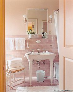 In a bathroom of Martha's Maine summer home, Skylands, luxurious terry-cloth towels are the perfect complement to soft-pink tiles on the wall and floor. Baños Shabby Chic, Estilo Shabby Chic, Shabby Chic Homes, Bathroom Colors, White Bathroom, Small Bathroom, Bathroom Ideas, Bathroom Furniture, Blush Bathroom
