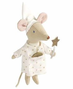 Tooth fairy mouse - Maileg http://www.knuffelsalacarte.nl/Maileg-tandenfee-p-16950.html