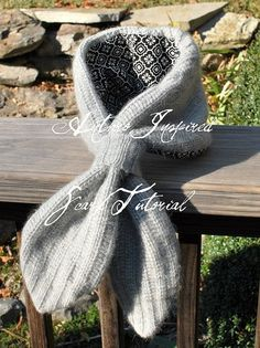 Anthro Inspired Scarf Tutorial by newgreenmama, from an old sweater Diy Pullover, Pullover Upcycling, Alter Pullover, Old Sweater, Sweater Scarf, Bow Scarf, Recycled Sweaters, Wool Sweaters, Cashmere Sweaters