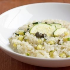 Think making risotto is difficult? No way! This Zucchini Risotto with Capers & Lemon is easy, creamy, healthy and oh so good!