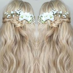 Half flower crown, triple braid woven style finished with a double knot on my…