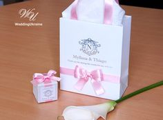 60 Wedding Logo Bags with Light Pink satin ribbon, bow and Silver foil names - Elegant Personalized Paper Bag - Custom Wedding Welcome bags - Elegant Personalized Paper Bag - Custom Wedding Gift bags - Personalized Bags - Paper gift bags - Thank your for sharing this wonderful day with us! - Custom Wedding Welcome Bags. Personalized Paper Gift Bag with satin ribbon, bow, logo and names - White, Light Pink and Silver - Welcome Bag - Weddings Gift Favors - Mr and Mrs welcome bag  DETAILS - Set…
