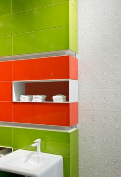 Don't be afraid of #colours and dare to match them like in the picture below.  Give a different touch to your #bathroom (and to your #life)   #tiles #ideas #decoration #ceramics