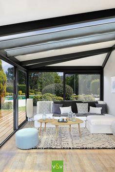 A resolutely modern veranda with this realization of Vie & Véranda. Pergola En Kit, Pergola Patio, Diy Patio, Backyard Patio, Gazebo, Modern Pergola, Patio Ideas, Small Pergola, Modern Patio
