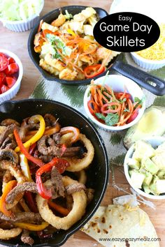 Game Day Skillets: Beef fajita skillet with onion rings, and a crinkle cut fries, honey sriracha chicken skillet. Both are fantastic, and easy to make. New Years Appetizers, Appetizers For Party, Game Day Snacks, Game Day Food, Eazy Peazy Mealz, Honey Sriracha Chicken, Beef Recipes, Skillet Recipes, Skillet Dinners