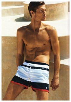 ¡Compra ahora bañadores David Mare! Tela muy ligera y suave al tacto - Doble cinturilla, una interior en licra en marino y el elástico del bañador. http://www.varelaintimo.com/78-banadores