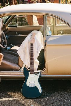 Where is music taking you this #FenderFriday? #DuoSonicHS #FenderOffsets #Fender #Friday #FenderDuoSonic #HSpickups #Offset #OffsetFender #Guitar #Guitars #Guitarist #GuitarPlayer #ElectricGuitar #Tour #Show #Gig #Travel #Music #Musician