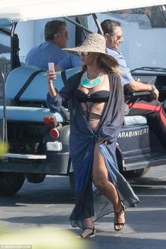 Beyonce enjoys holiday in Italy with husband Jay Z and daughter Blue Ivy | Daily…