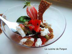Une verrine colorée de fraise, tomate et kiwi pour une entrée sans gluten!