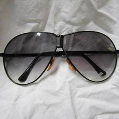 Vintage Corvette Folding Aviator Sunglasses in Case Retro Madmen Designer Fashion Race Car Auto Memorabilia