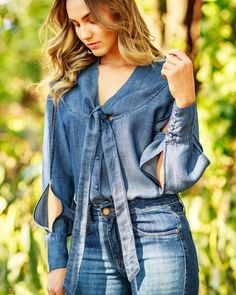 Japan Fashion, Work Fashion, Denim Fashion, Fashion 2020, Fashion Outfits, Top Jeans, Lace Jeans, Fashion Drawing Dresses, Diy Clothes