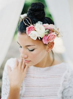 Fancy floral headpiece: http://www.stylemepretty.com/destination-weddings/2015/04/03/bohemian-wedding-inspiration-in-hawaii/ | Photography: Matthew Ree - matthewree.com