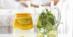 """All'estero si chiamano """"infused waters"""". Si tratta di acque aromatizzate naturali fatte in casa e preparate con la frutta fresca e con erbe aromatiche, come la menta, la stevia o il basilico. Si tratta di un'ottima idea per preparare delle bevande rinfrescanti, dal sapore gradevole e senza zuccheri o dolcificanti aggiunti."""