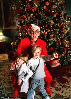 Merry Christmas To All, Christmas Pajamas, Family Christmas, Royal Christmas, Christmas Trees, Christmas Decorations, Jean Michel Jarre, Christina Milian, Gwyneth Paltrow