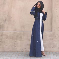 """The """"What did you just say?!"""" pose. Abaya from @namshi And thank you for all the love in my previous post❤️"""