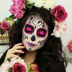 Colorful Sugar Skull Halloween Look ★ A Halloween look without sugar skull makeup is a look wasted! Our tunning ideas with glitter, rhinestones, and the burst of glam colors are here to help you keep up with the fancy Mexican tradition stylishly. Sugar Skull Make Up, Sugar Skulls, Sugar Skull Face Paint, Sugar Skull Pumpkin, Maquillage Sugar Skull, Yeux Halloween, Halloween Tags, Halloween Parties, Candy Skulls