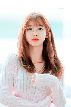 TWICE Nayeon - The cutest girl in the world - Sexy K-pop Kpop Girl Groups, Korean Girl Groups, Kpop Girls, Cute Girls, Cool Girl, Nayeon Twice, Twice Kpop, Dahyun, Im Nayeon
