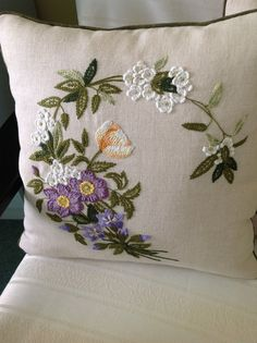 Showcase for high end bedings and pillows, cushion covers Cushion Embroidery, Silk Ribbon Embroidery, Crewel Embroidery, Vintage Embroidery, Floral Embroidery, Hand Embroidery Videos, Hand Embroidery Patterns, Embroidery Techniques, Machine Embroidery