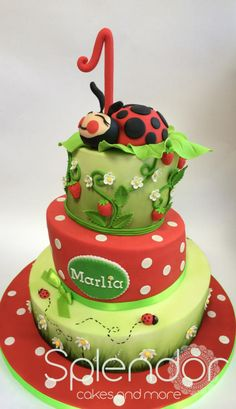 This cake was strongly inspired by the original design of Atelier Galia's Sugar Art. Ladybug Cakes, Ladybug Party, Fondant, Garden Cakes, Cake Board, Colorful Cakes, Novelty Cakes, First Birthday Cakes, Cupcake Cookies