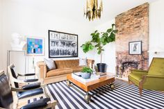 Interior designer Jason Arnold beautifully renovated the home, while keeping its original charm intact.