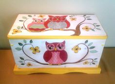 Toy Box with Owl Design wood burned and wood stained by LTATDesign Diy Toy Box, Toy Boxes, Diy Box, Wooden Box Crafts, Wooden Boxes, Kids Furniture, Painted Furniture, Toy Trunk, Altered Boxes