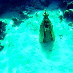 Virgencita del Valle sumergida en el mar de Gran Roque, protectora de los…