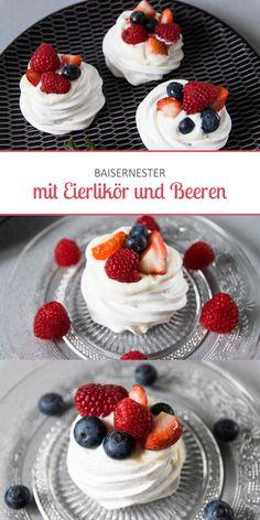 Baisernester mit Eierlikör und Beeren {Cupcakes & Co cupcakesundco.wordpress.com}
