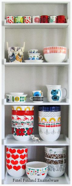 I love the Scandinavian style. Arabia Finland, Cathrineholm, Stig Lindberg, and this Finel. will always remind me of my mother. Vintage Kitchenware, Vintage Dishes, Vintage Ceramic, Kitsch, Scandi Style, Stig Lindberg, Nordic Design, Retro Home, Scandinavian Home
