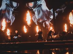 Euroviisujen finaali käydään Rotterdamissa lauantai-iltana 22. toukokuuta. Suomea edustava Blind Channel meni finaaliin komealla esityksellä torstai-iltana, ja lauantaina saadaan jännittää, mikä lopullinen sijoitus tulee olemaan. Innoikkammat voivat tehdä ennustuksia sijoituksesta niin Spotifyn viisuihin liittyvän kuuntelijadatan avulla New Age, Rotterdam, Cool Bands, Finland, Destiny, Blinds, Channel, Concert, Dark