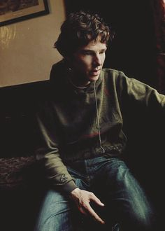 Possibly one of the cutest pictures of Benedict Cumberbatch I have ever seen ❤️❤️❤️ Benedict Sherlock, Sherlock Bbc, Benedict Cumberbatch Sherlock, Watson Sherlock, Jim Moriarty, Sherlock Quotes, Martin Freeman, All Time Low, Gilmore Girls