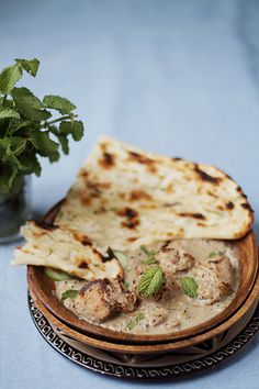 Mughlai Chicken with Naan Bread