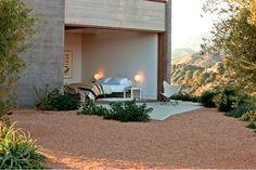 Barbara Bestor dormitorio al aire libre de interior Montecito California;  Gardenista