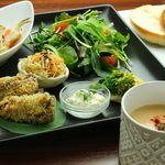 オーガニックカフェ han - 料理写真:false fish plate(お魚もどきのプレート)