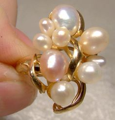 Baroque Pearls Ring Pink & White 14 K Size Yellow Gold Perfect Engagement Ring, Vintage Engagement Rings, Vintage Rings, Vintage Jewelry, Pearl Ring, Pearl Jewelry, Modern Jewelry, Unique Jewelry, Italian Baroque
