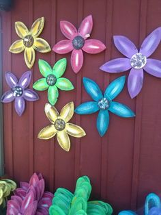 Wooden flowers but way bigger with balls in center