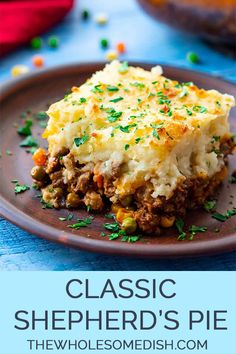 ground beef recipes for dinner The Best Classic Shepherd's Pie - AKA Shepards Pie or Cottage Pie. Ground Beef (or lamb) with vegetables in a rich gravy, topped with cheesy Great Dinner Recipes, Easy Casserole Recipes For Dinner Beef, Hamburger Pie Recipes, Dinner Ideas Healthy, Family Dinner Ideas, Hamburger Meat Dishes, Hamburger Potato Casserole, Quick Easy Dinner, Meatball Recipes