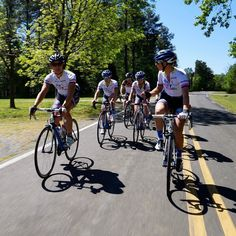@happytoothpro Training camp has been productive & tough this week. The riders are learning & pushing their limits. It's what being #pro is all about. #trainhard #womenscycling #chapelhill #RFCoachingVIPcamp @bluebikes by robinefarina
