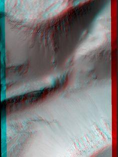 Possible Gullies in Graben. Credit: NASA/JPL/University of Arizona.    Read more: http://www.universetoday.com/99861/10-amazing-3-d-views-from-the-mars-reconnaissance-orbiter/#ixzz2KvTMc6Bj