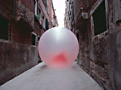 Simone Decker, Chewing-gum in Venice.