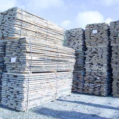 TEHDÄÄN HYVIN | HANDMADE QUALITY Työvaihe: Puutavara | Craft: Timber  Tuotantolinja: Pöydät | Production line: Dining  #pohjanmaan #pohjanmaankaluste #käsintehty