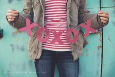 hugs + kisses valentines banner