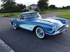 1961 Chevrolet Corvette (Jewel Blue)