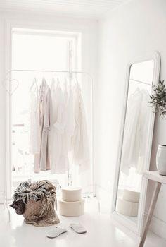 5 Tips For Creating Your Dream Closet This Spring | theglitterguide.com