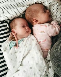 So Cute Baby, Cute Baby Twins, Twin Baby Girls, Baby Kind, Twin Babies, Cute Baby Clothes, Little Babies, Baby Baby, Newborn Twins